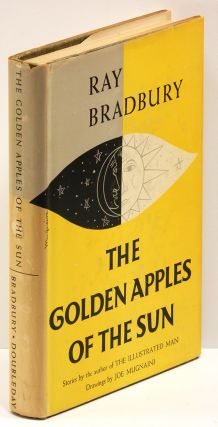 THE GOLDEN APPLES OF THE SUN. Ray Bradbury