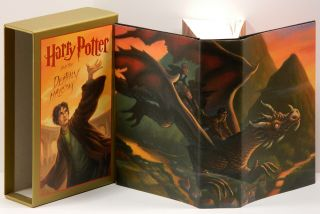HARRY POTTER AND THE DEATHLY HALLOWS;. J. K. Rowling